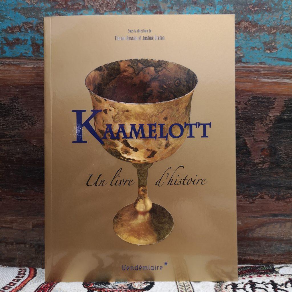 Kaamelott, un livre d'histoire, dir. Florian Besson et Justine Breton, Vendémiaire, 2018.